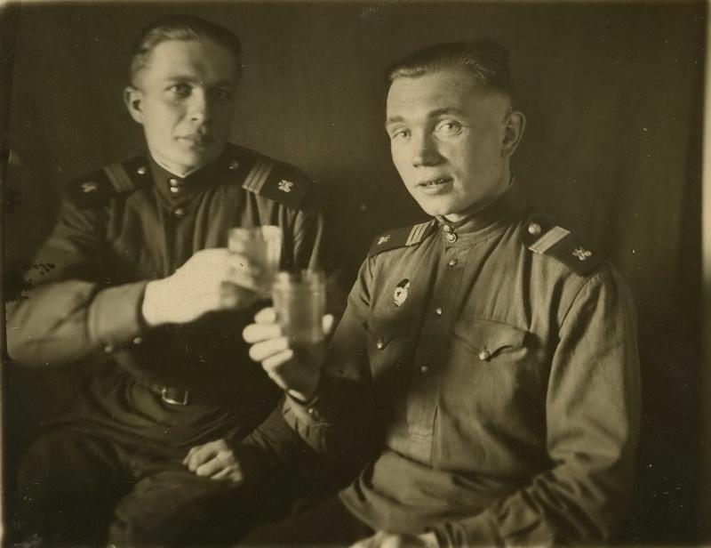 Щеголеватых Иван Тихонович (справа).
